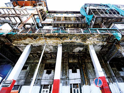 Esplanade Mansion eviction: Residents get 15-day reprieve, SC gives tenants time till May 30 to vacate dilapidated building