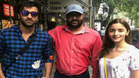 Ranbir Kapoor and Alia Bhatt pose for a picture with fan in New York