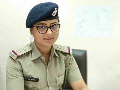 Woman cop accused of extorting Rs 35 L from a rape accused