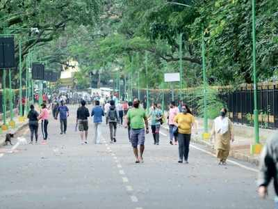 A walk in the park: 2 netas back plan to keep traffic out of Cubbon Park. Enjoy!