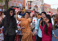 'Shahi Sawaari' on the occasion of Gangaur festival enthralls people in Jaipur