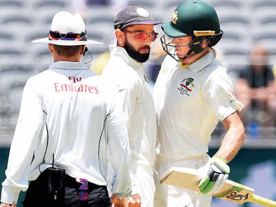 Virat Kohli, Tim Paine clash verbally; umpire intervenes
