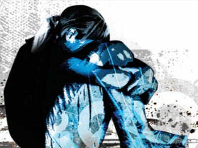 Mom aides repeated rape of 14-yr-old by robber friend