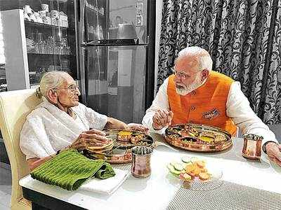 De Thaali! NO FOOD LIKE GUJARATI IN THE WORLD