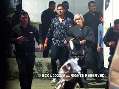 MS Dhoni spotted with stylist Sapna Bhavnani in Mumbai's Goregaon