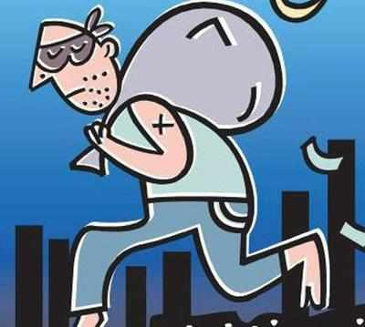 Staff steals Rs 7.3L safety gear from office