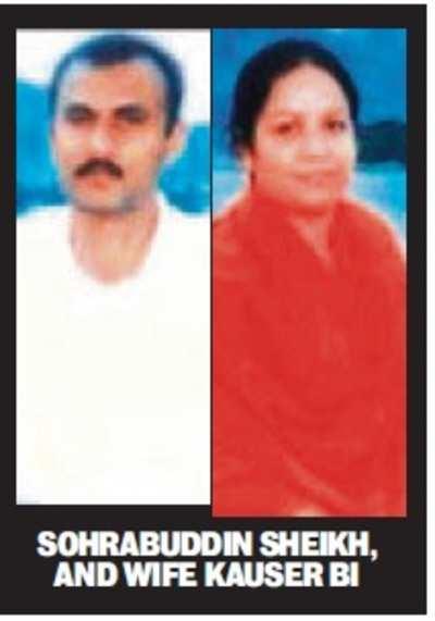 Sohrabuddin, Kauser Bi, Prajapati 'encounters': HC exonerates 6 cops