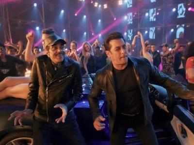 Watch Rafta Rafta medley: Dharmendra and Rekha steal the show; Salman Khan, Sonakshi Sinha add freshness