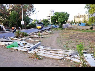 'Stop Hinjawadi Metro till roads built'