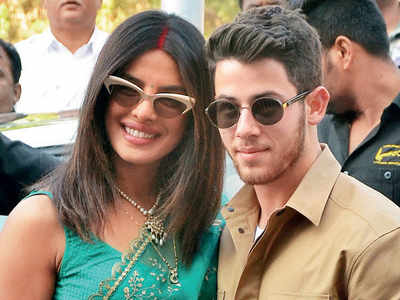 Priyanka, Nick arrive in Delhi for wedding reception