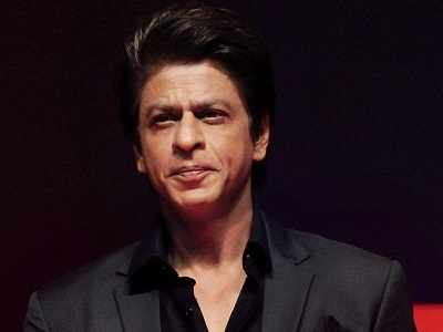 Shah Rukh Khan reveals his three vices on Twitter: Grace, Style, and Playfulness