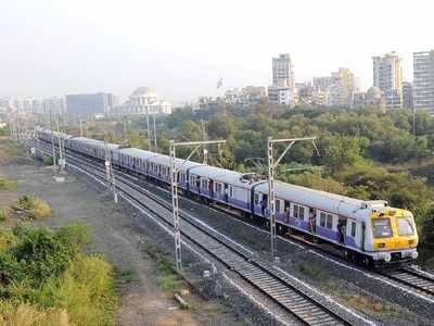 Mumbai: Woman forgets Rs 6 lakh gold and silver ornaments, cash on a local train
