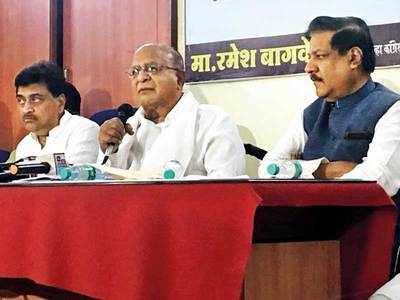 Congress rakes up Rafale, fuel prices
