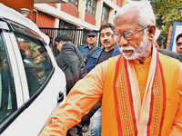 Samjhauta case: Sonia Gandhi forced agencies to frame false charges against Swami Aseemanand, alleges his brother