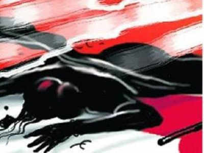 Spurned, woman tries to end life at lover's doorstep
