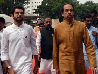Uddhav Thackeray wants world-class, multilevel aquarium in Mumbai