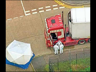 All 39 found dead in truck were Chinese: UK police