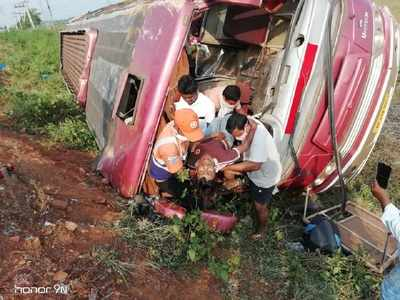 33 migrants from West Bengal injured as bus overturns in Andhra Pradesh