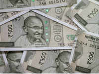 Currency crisis: Rupee breaches 70 mark against USD
