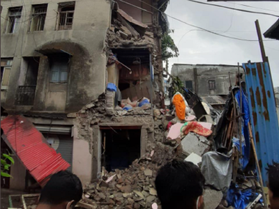 Kurla: Portion of dilapidated building collapses, no one injured