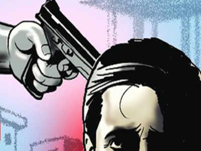 Armed men attack, rob bizman in shop