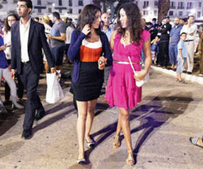 500 lawyers offer to defend Morocco women in 'provocative dress' trial