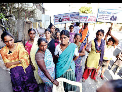 Open defecation leads to plaints of harassment at slum in Taljai