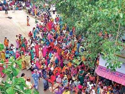 Anandnagar rises in protest against containment, cops use force to quell it