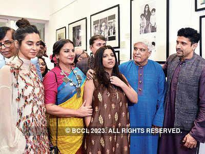 Shabana Azmi, Shibani Dandekar, Zoya and Farhan Akhtar celebrate Javed Akhtar's 75th birthday