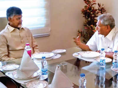Chandrababu Naidu meets Oppn leaders to form front