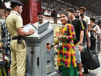 Western Railways's biometric tokens a boon for general class, bring down crime, jumping of queues