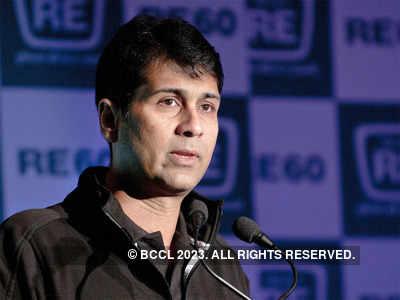 Rajiv on father Rahul Bajaj: Nobody joins him, people just cheer