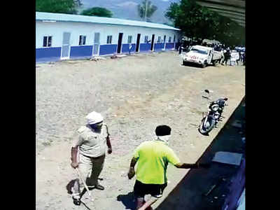 Police enter work camp in Mulshi, beat up workers