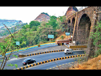 Do you think it is wise to increase the speed limit to 120 kmph on the Mumbai-Pune Expressway?