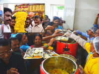 Anna Canteens' 5-rupee meal, an instant hit with the poor and middle class