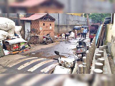 Health hazard hidden in garbage at Bhavani Peth