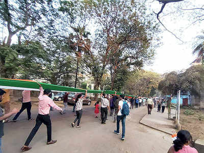 500 IIT-B students take out flag march