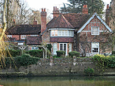 Singer George Michael's 16th century house sold for £3.4 mn