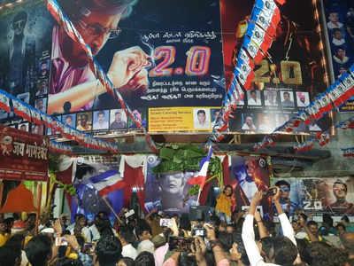 Rajinikanth, Akshay Kumar-starrer 2.0 releases, fans welcome the sci-fi