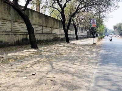 Sand spill on Solapur road irks commuters