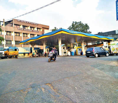 Chinchwad petrol pump battles slur on social media