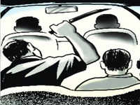 Delhi: Miscreants stab cab driver, flee with car
