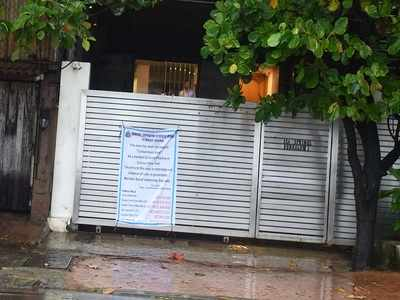 Zoya Akhtar's building declared 'containment area' due to close proximity with Rekha's bungalow