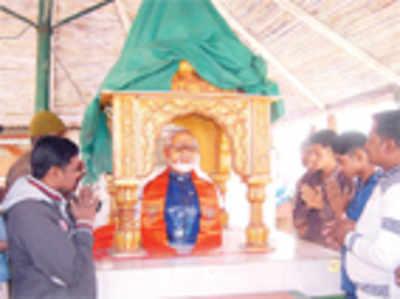 Modi temple razes tea stall that hosted Chai Pe Charcha