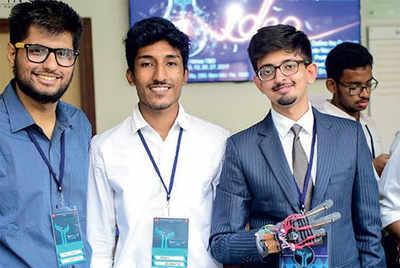 Karnataka: Students design a 'talking glove'
