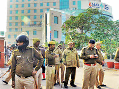Baby wrongly declared dead dies by Max Hospital, father refuses body