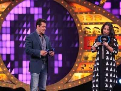 Live Updates: Bigg Boss 11 Weekend Ka Vaar with Salman Khan, Episode 42, Day 42, 12th November 2017: Mehjabi Khan and Sabyasachi get evicted this week, Vikas Gupta consoles Shilpa Shinde
