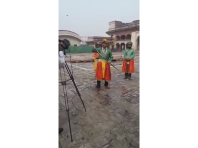 Watch: Pakistani reporter Amin Hafeez goes viral, but this time, as an emperor