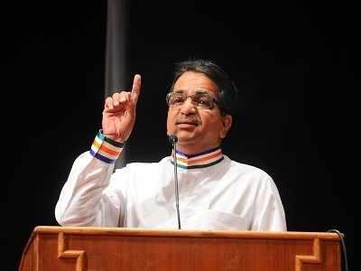 MNS leader Shishir Shinde who dug up Wankhede pitch in 1991 rejoins Shiv Sena