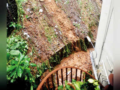 Landslide sends sludge into Khareghat colony,  but IIT-B has advised BMC not to undertake repairs until the rains stop